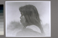 Minnie Moos, profile