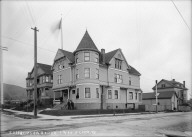 """Delta Upsilon House [fraternity], 1900, Berkeley,"" University of California at Berkeley. [negative]"