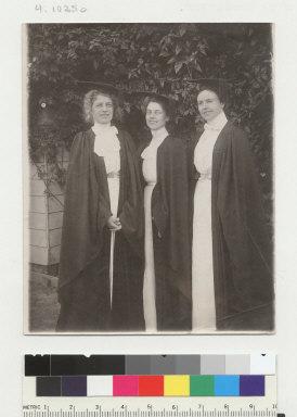 Group portrait of 3 female graduates, University of California at Berkeley. [photographic print]