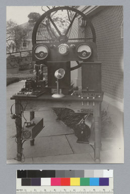 Battleship transmitter and receiver, National Wireless Telephone and Telegraph Co. [photographic print]
